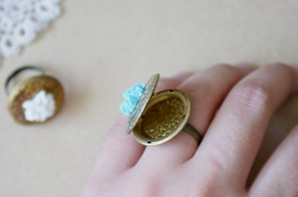 Locket ring